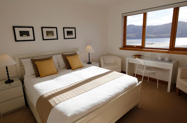 A Room With A View on the NC500 - Melness  - Bed & Breakfast