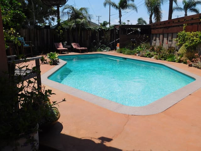 Seal Beach House with Pool 5 min from Beach