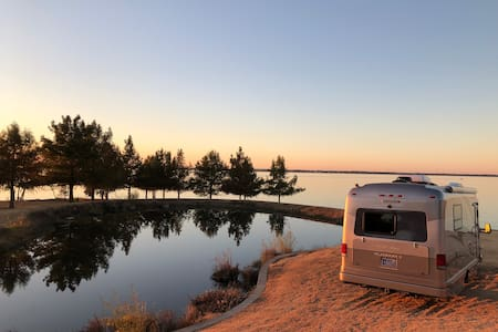 LUXURY LAKE FRONT RV-Best View on LAKE RAY HUBBARD