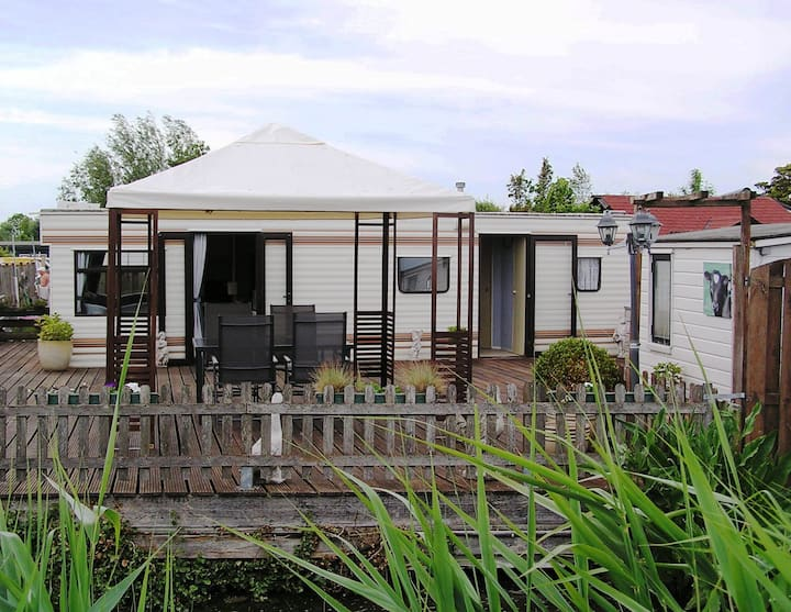 Luxurious and spacious mobile home