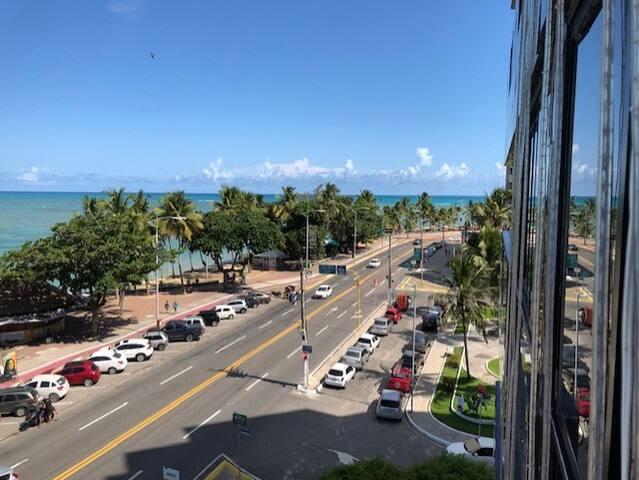 Vista da varanda do apartamento.