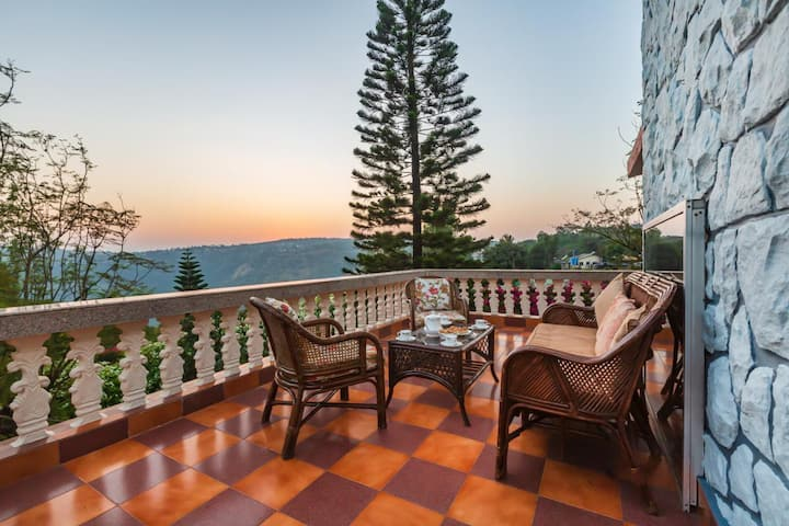 Dulwich Cottage - 4 Bedroom villa Near Parsi Point