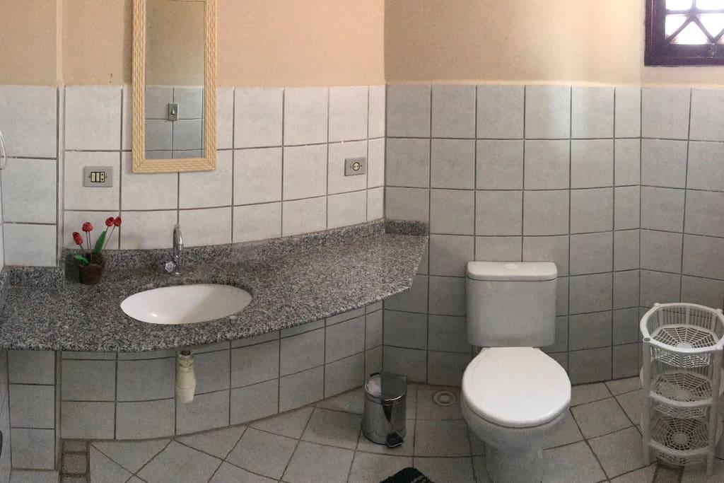 banheiro piso superior