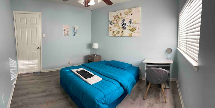 Cozy Stay in the Heart of Sugarland, Texas