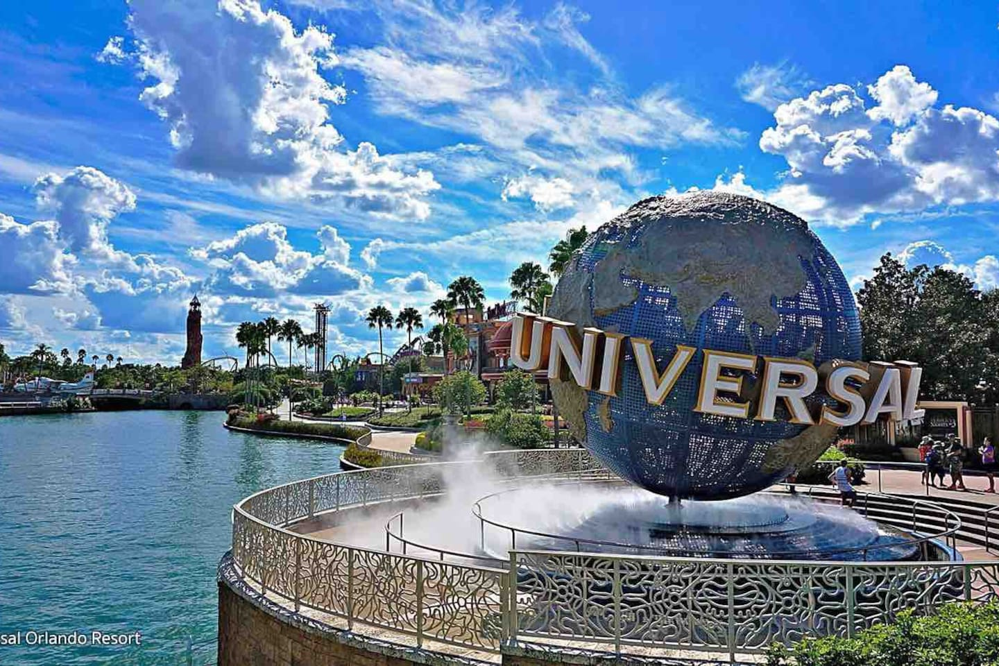 So Close to Universal! just 7 min driving to!