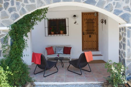 Beautifully located cozy Finca 2-4p - Comares - Huis