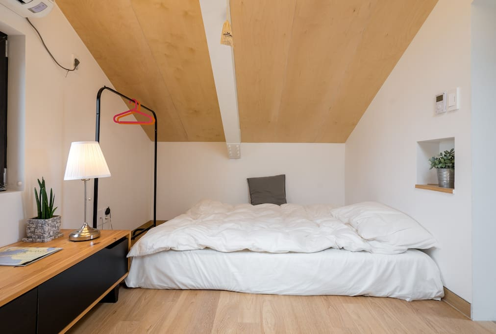 4th floor room-3(loft)