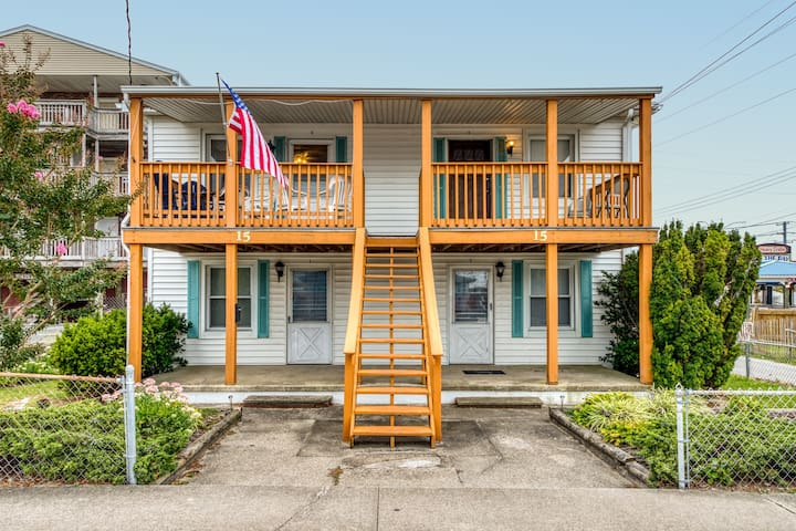 Cozy, dog-friendly condo w/ a furnished balcony - just blocks from the beach