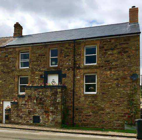 Beautiful restored stone house on the Pennine Way