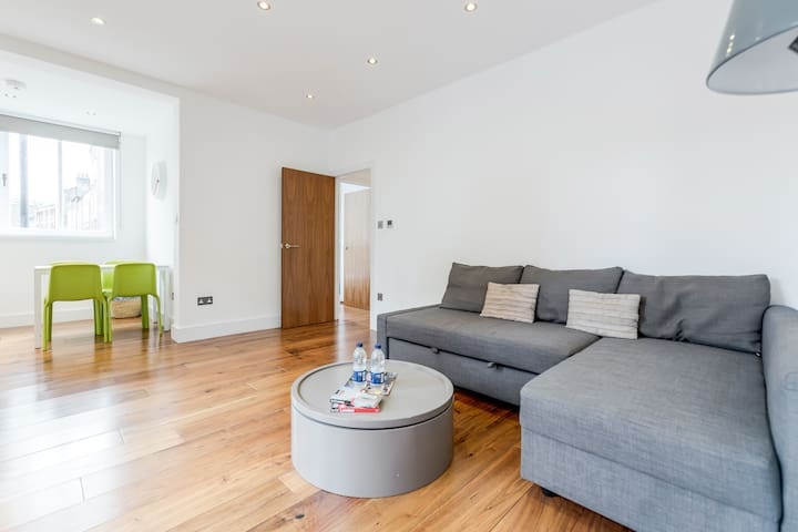 Modern 2 Bed 2 Bath 3 min to Oxford Street