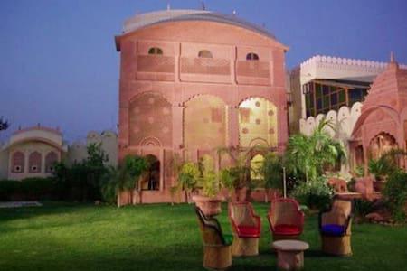 Suroth Mahal A Jaipur Riyasat