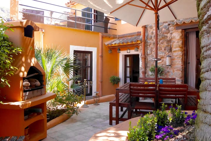 Charming Village House, close Palma - Puigpunyent