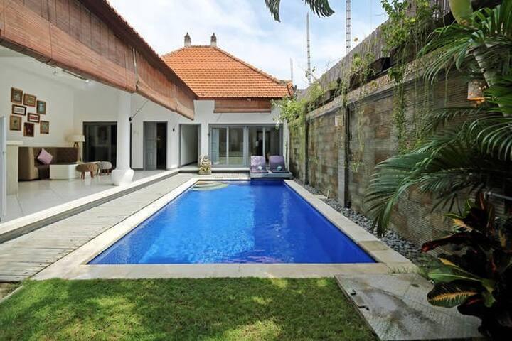 Villa Lotus 2BR in Seminyak-Bali - Kuta - Villa