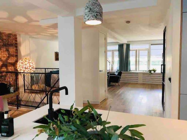 Privé Appartement 135m2 dichtbij AHOY !