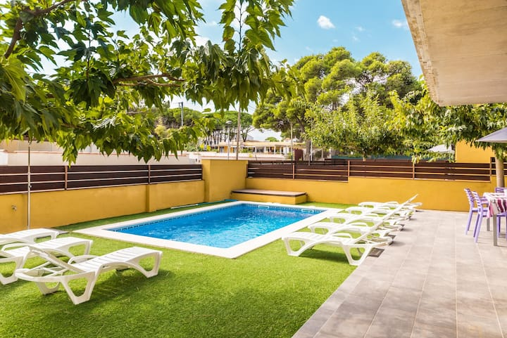 Marianna: House with private swimming pool in L´Escala
