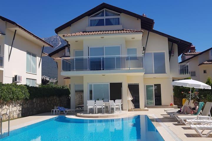 4 bedroom villa with swimmingpool - Fethiye Ovacik