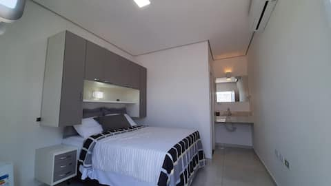 4 suítes novas (camas e ares-condicionados novos)