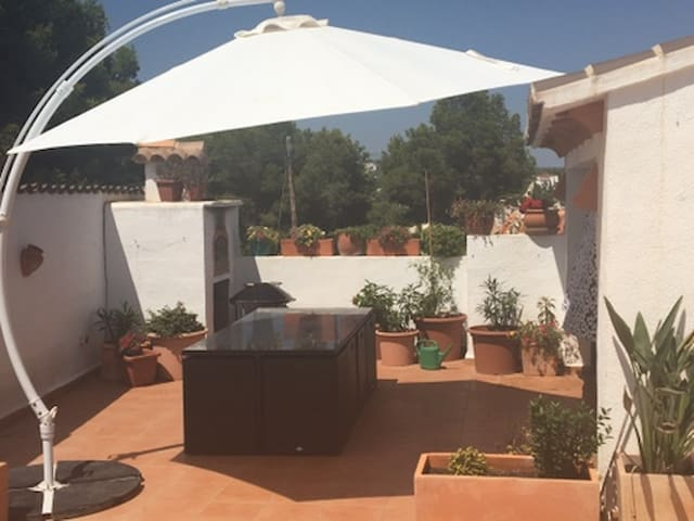 Private villa with pool-walk to town,beaches,bars - Teulada - Ev