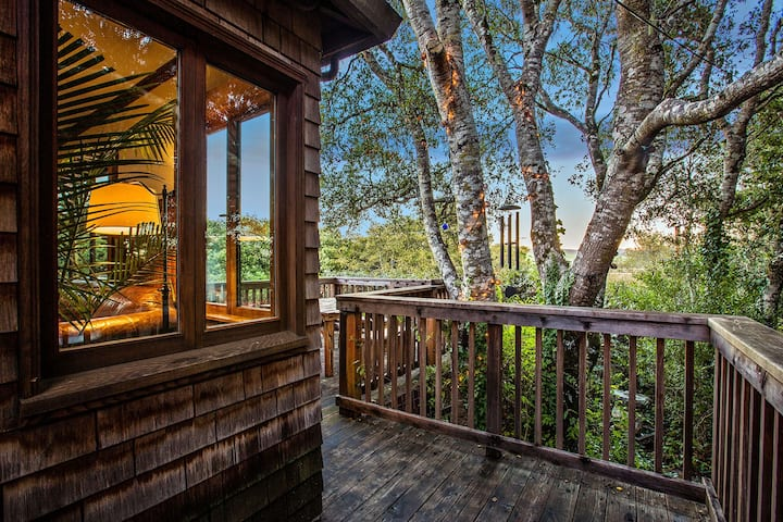 The InverNest - Treetop cabin with Inverness charm
