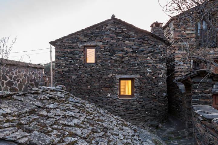 Alojamiento contemporáneo Refugio del Ocejon