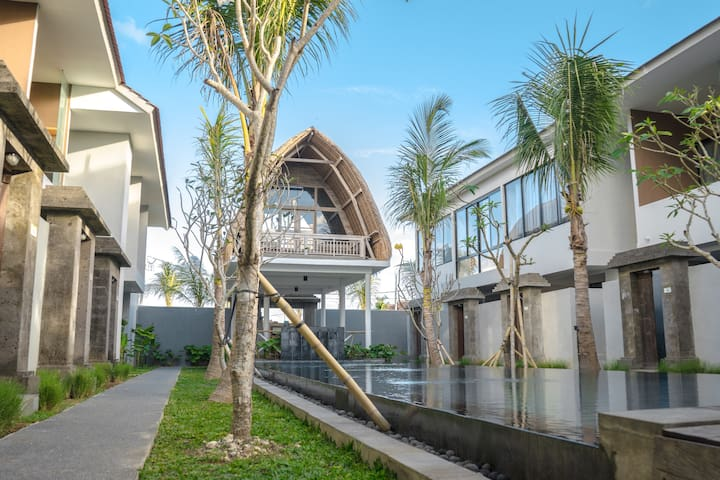 The Spacious Studio W/ Kitchen & Garden at Kuta