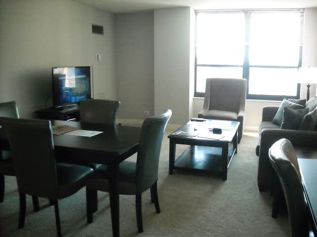 SLEEK 1BR/1BA in Arlington Heights - Arlington Heights - Apartemen