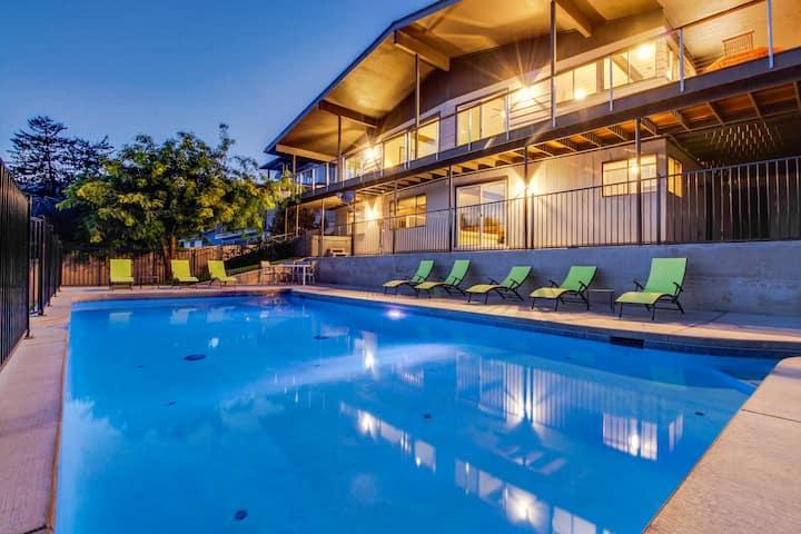 Two lakeview wrap-around decks, seasonal pool, hot tub & game room
