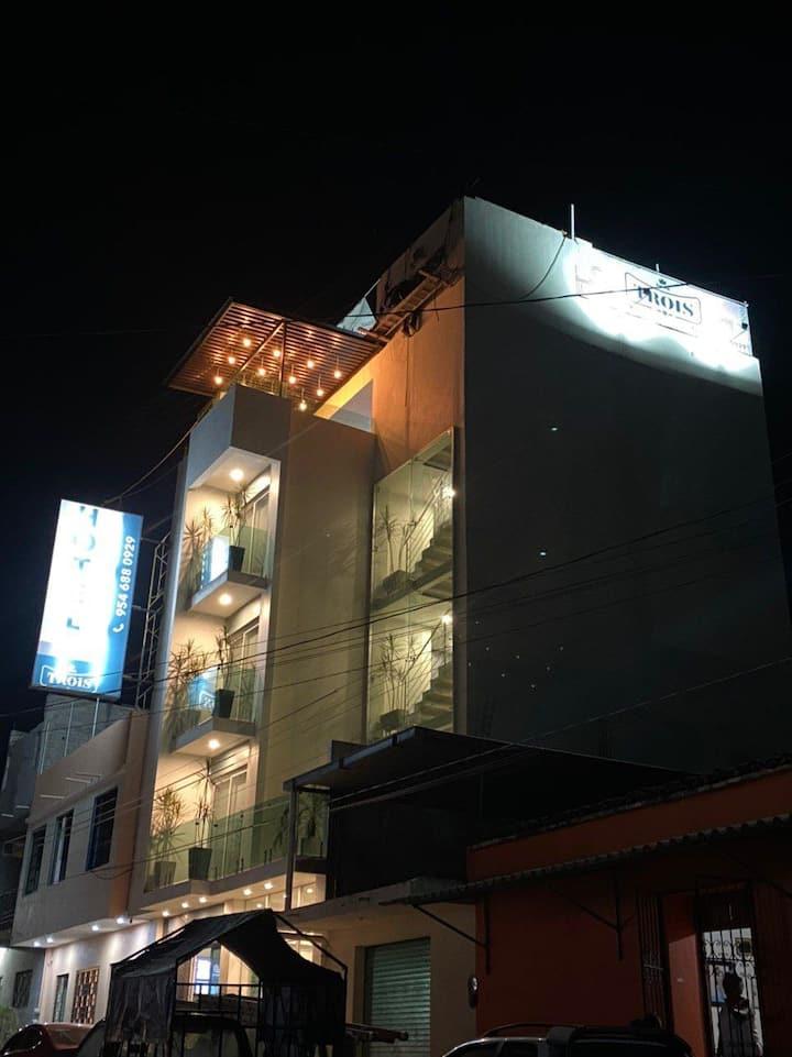 HOTEL TROIS