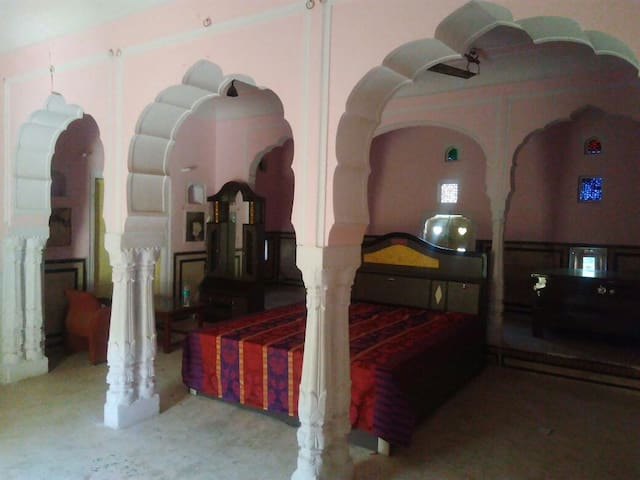 Heritage Haveli in centre on Samode near Jaipur - Samod - Dům
