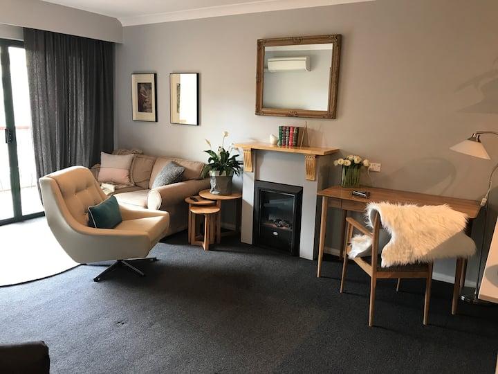 Apartment 60 - Stylish City Living