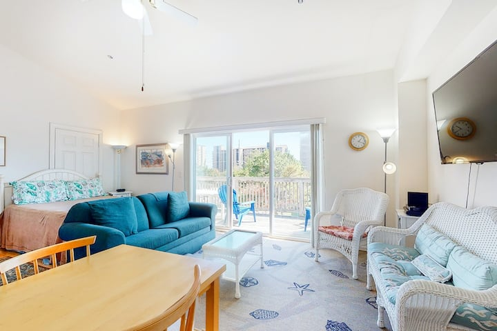 Bethany Beach Inn 2nd floor efficiency condo w/ kitchenette - close to beach