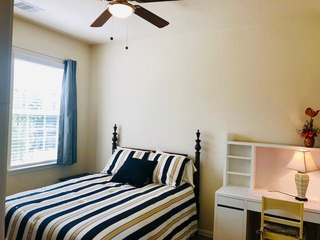 April Lower rate!! Nice&Comfy BR near Hwy 6 & I-10