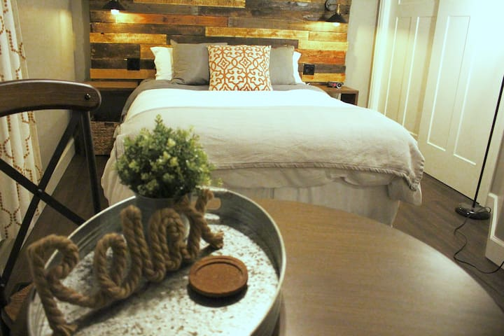 NEW! Rustic Modern Room #1, Downtown