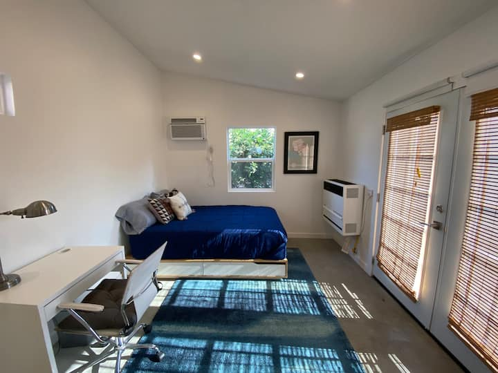 Stand Alone Guest House with Privacy