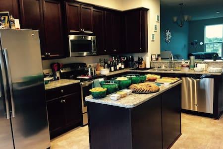 Home - Chesapeake - Lejlighedskompleks