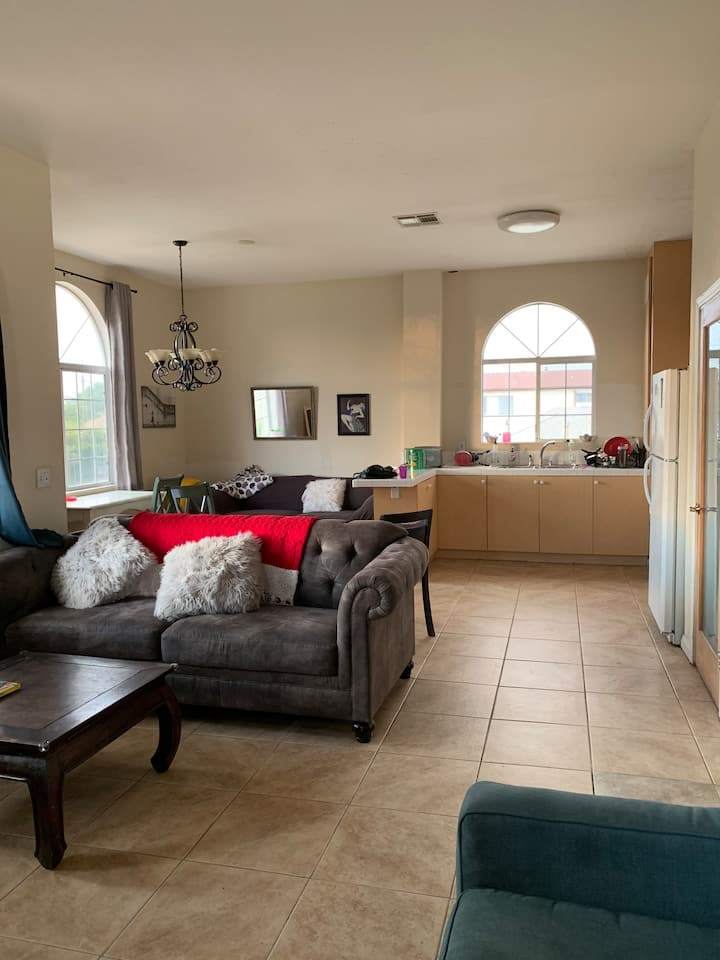 Clean Sunny Private Room + Large Open Shared Space