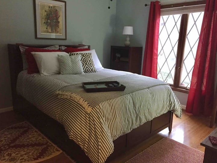 Guest Suite perfect for business & pleasure travel