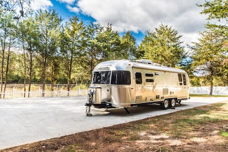 Airstream Island Centreville 25m-DC - Centreville