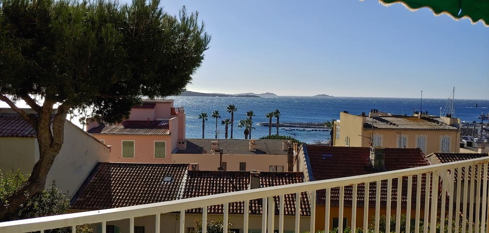 Airbnb Bandol Holiday Rentals Places To Stay Provence