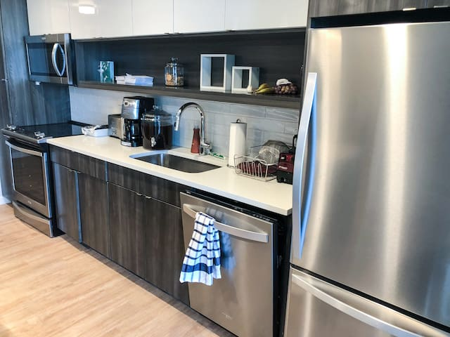 ONE BDRM IN THE HEART OF DOWNTOWN
