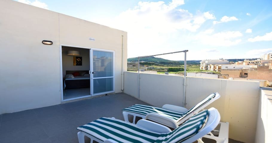 Penthouse completely private, fully Airconditioned
