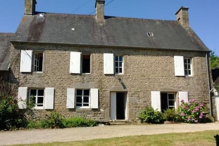 Fanoville farmhouse - La Pernelle - Rumah