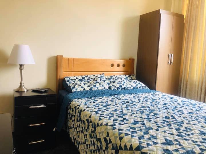 Room #7 - A 15' del Aeropuerto- B&B-