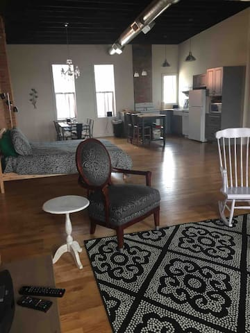 Unique 1880's Renovated Main St Loft