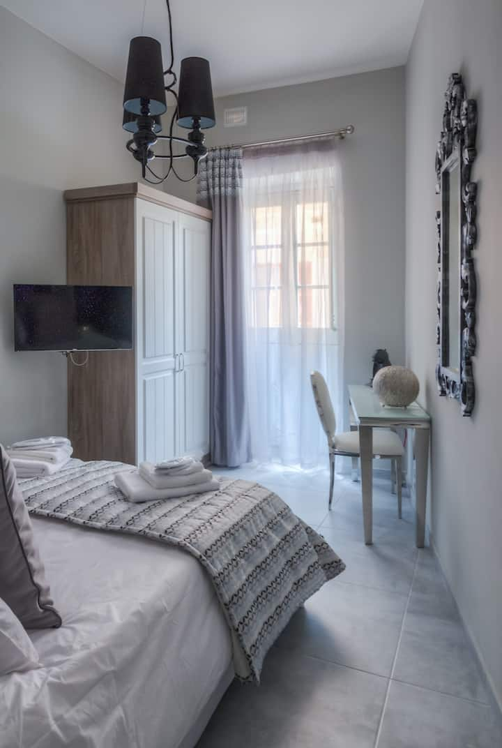 The Three Cities - Boutique Hotel -Mosta