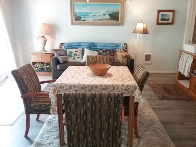PELICAN BEACH SUITES #3 - NO PETS - WE PAY 10% TAX