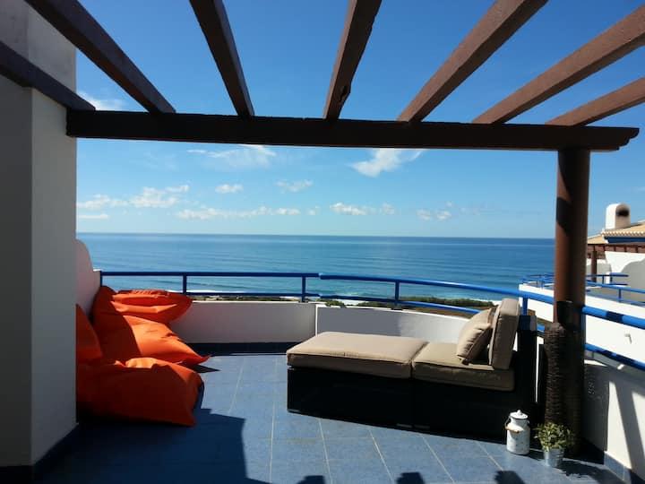 Apartamento condomínio c/piscina - vista sobre mar