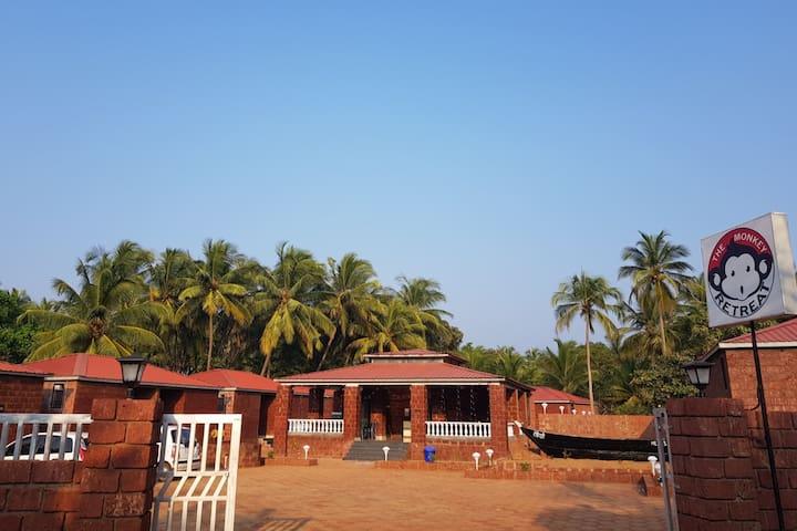 The Monkey Retreat -Beach Resort