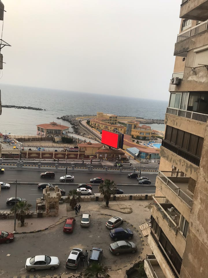 Sea View Apartment in Alex in front of Azour hotel