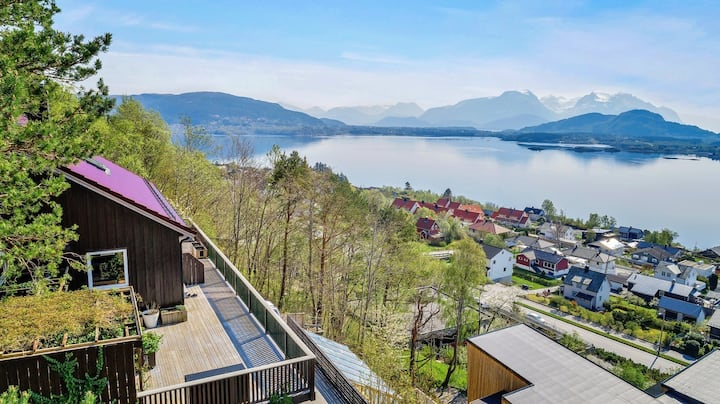 The house with a splendid view over Sunnmøre Alps!